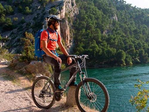 Cascadas del rio Krka con la bicicleta