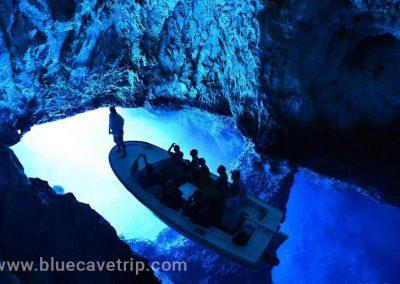 Interior de la cueva azul
