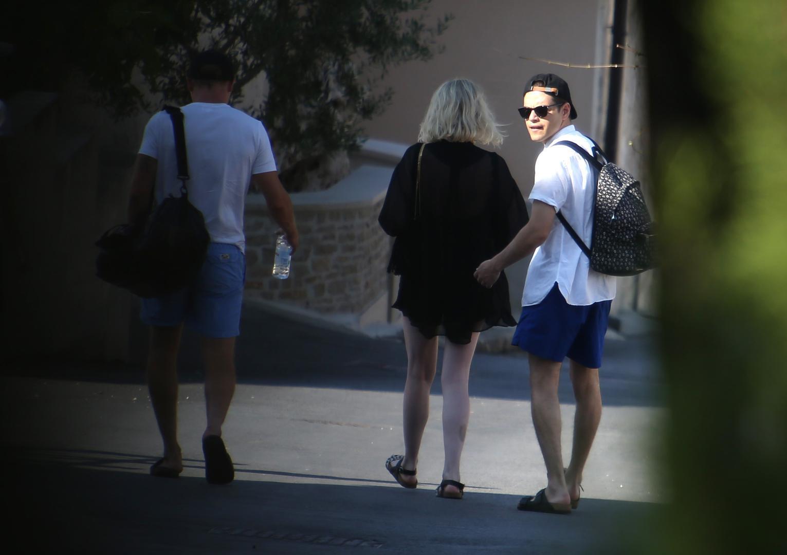 Actor Rami Malek con su novia en la isla Brac